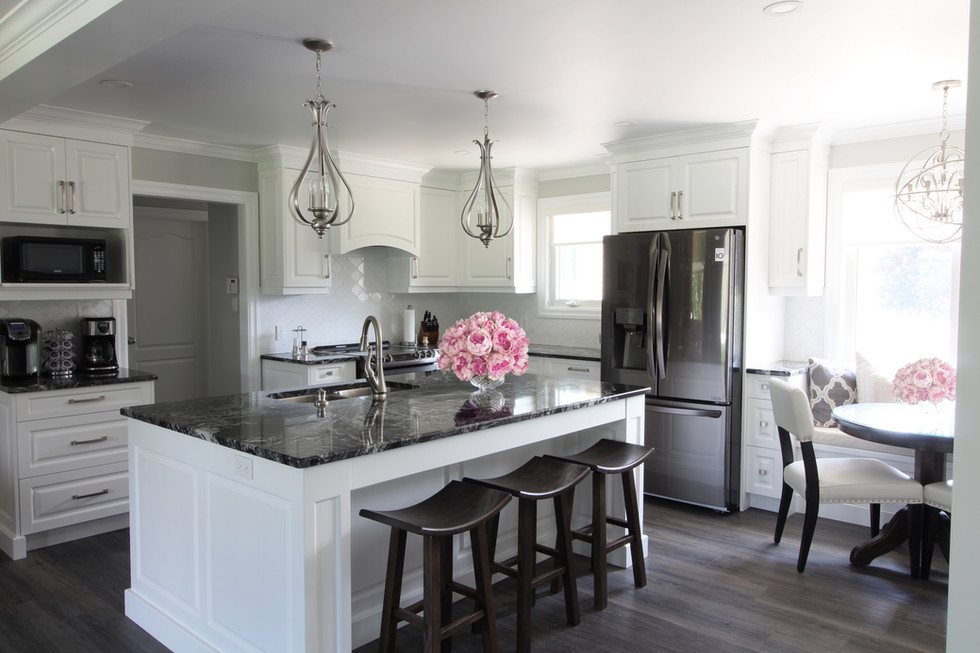 Elegant Transitional White Kitchen Brush