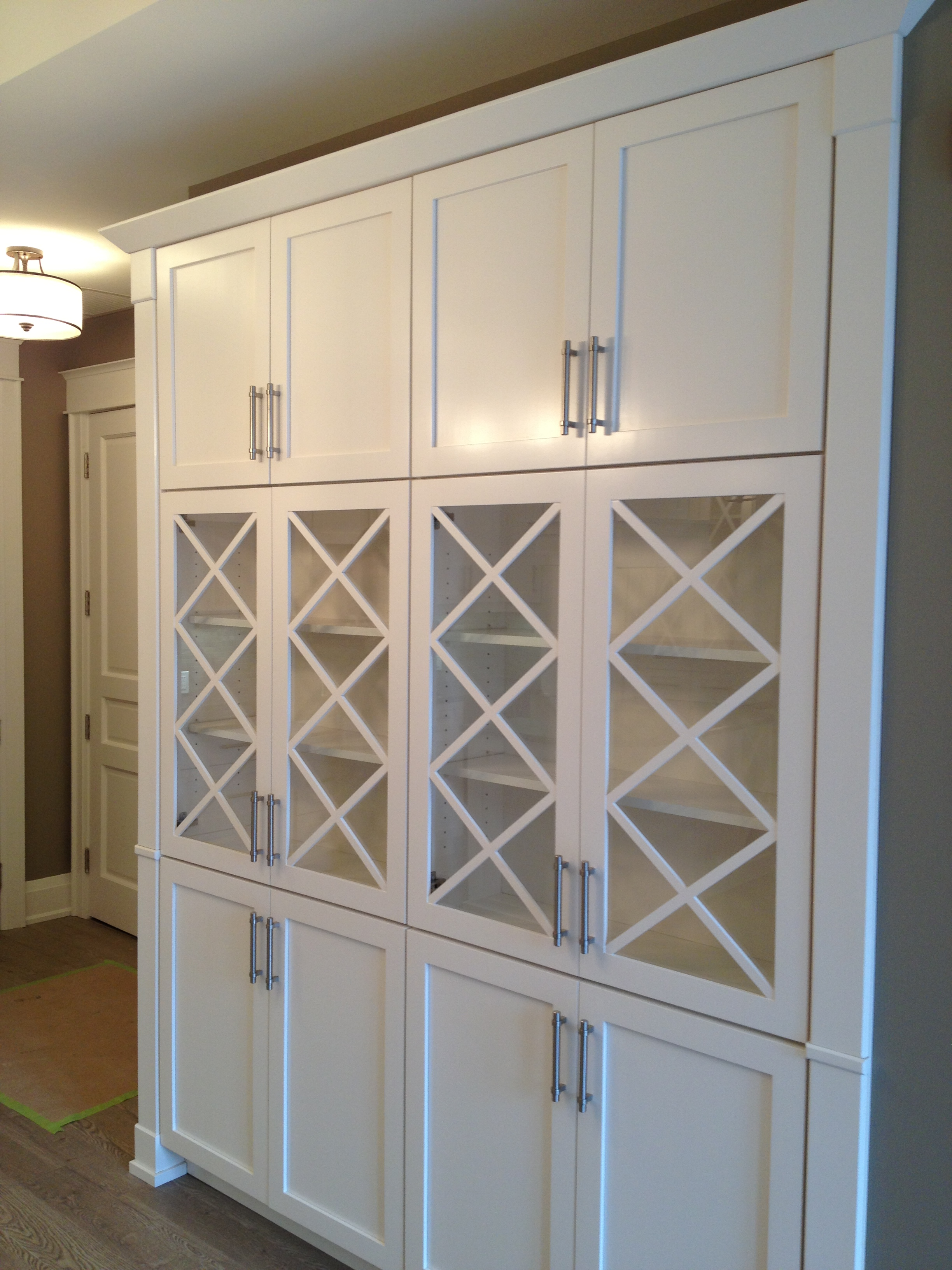 Hutch cabinetry
