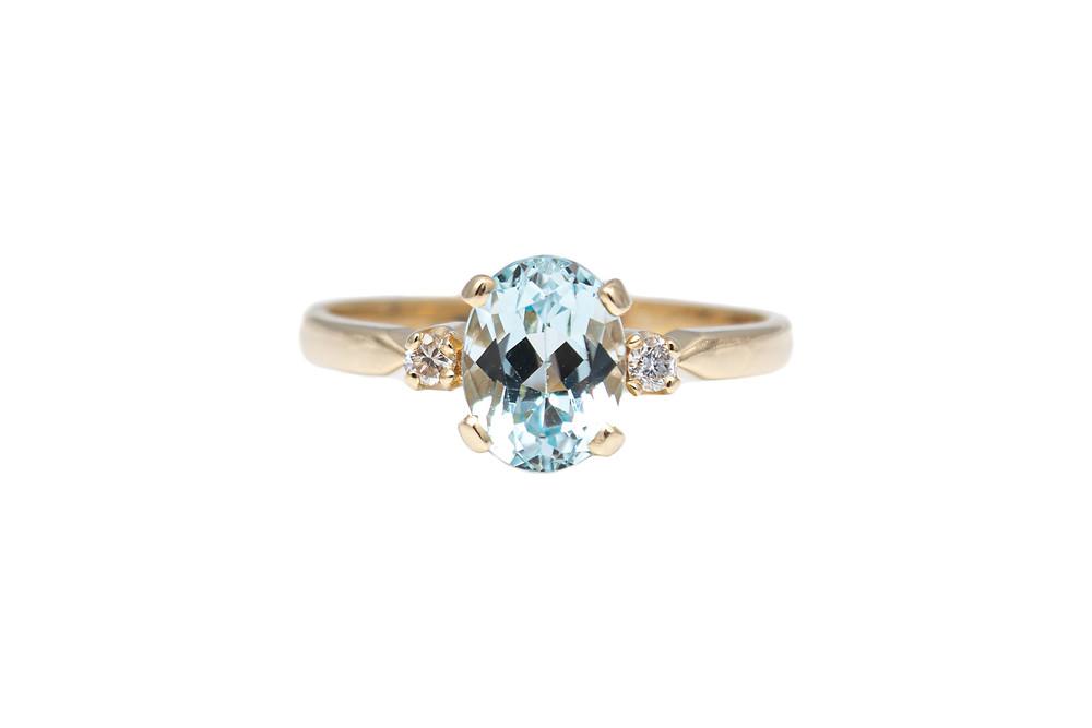 14 Karat Yellow Gold Diamond & Aquamarine Estate Ring
