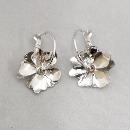 < Plumeria>フラワーモチーフダブルピアス