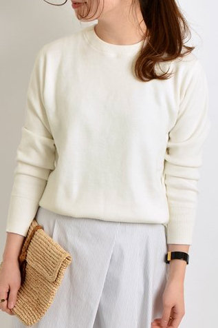 8002102 Cashmere             LILLY`s BASIC     Crew neck TOPS