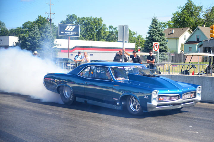 The Kings of Roadkill Nights GO FAST!