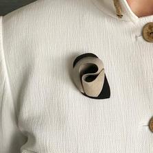 Gumnut brooch