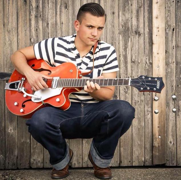 Lew Lewis, Guitar