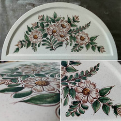 Maiolica mezza luna decorata