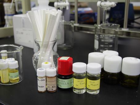 令和元年度「香りの科学」第3回目 嗅いだ香料