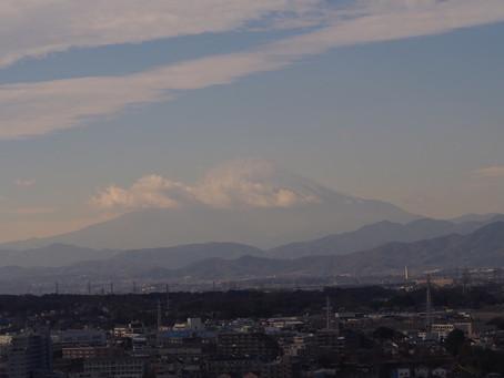 冬の富士山が見えました