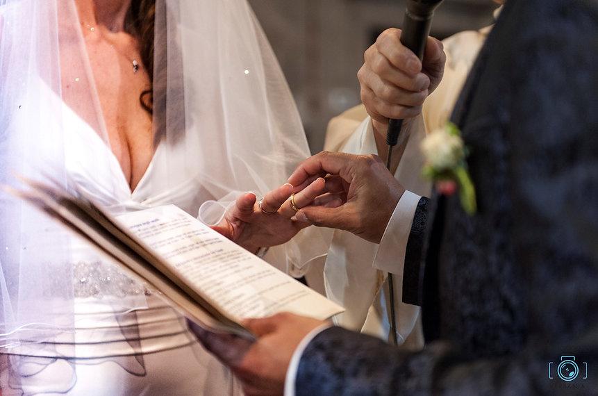 Il vestito dello sposo - Matrimonio Orta San Giulio Novara -fotodigitalverbania scambio anelli