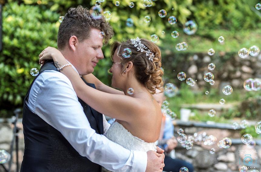 Ballo degli sposi-Bolle d sapone-Ristorante 2 lantene Varese - fotdigitalverbania