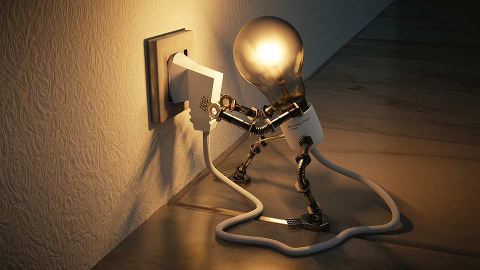 Kenneth Kiwicz uses a picture of a light bulb to explain his blog post quote.