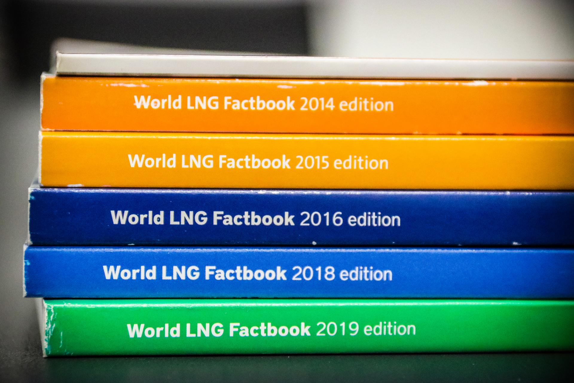 Factbook_4.jpg