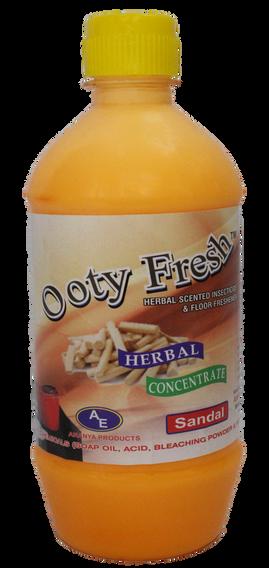 Ooty Fresh Phenyl Sandal 500ml