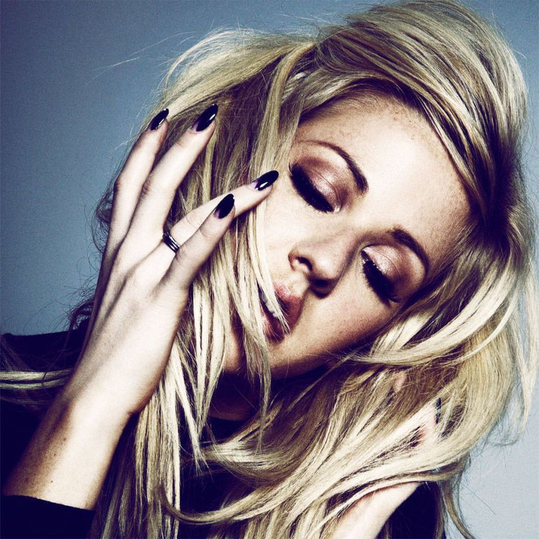 A Moment With Ellie Goulding