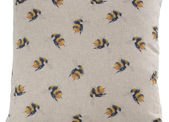 Bee linen look