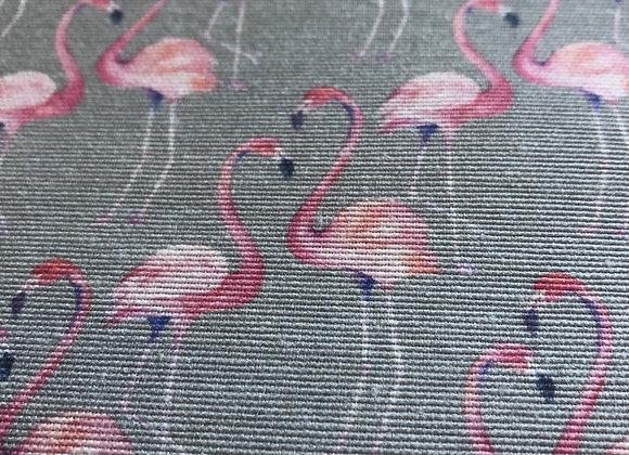 Flamingo linen look