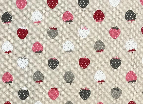 Strawberry linen look