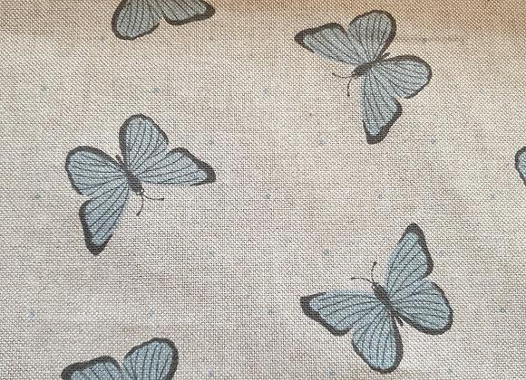 Butterflies blue linen look