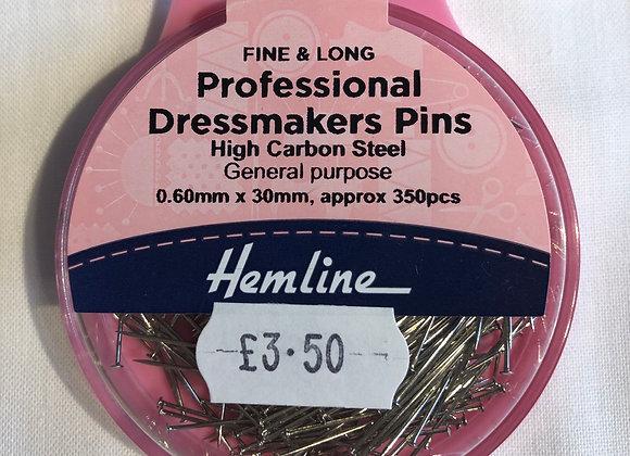 Professional dressmaking pins