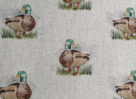 Ducks linen look