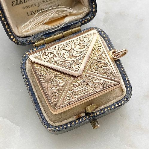 Vintage 1923 9ct gold opening envelope pendant