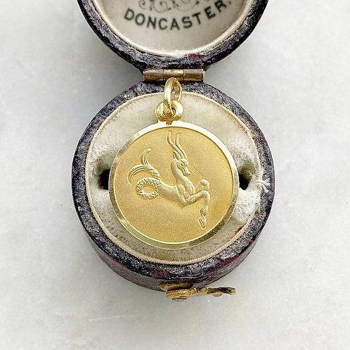 Vintage 18ct gold Capricorn Zodiac medallion charm