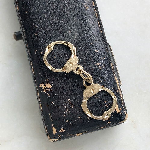 Vintage 14ct gold pair of handcuffs charm