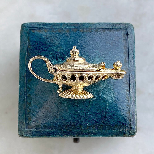 Vintage 9ct gold opening genie lamp charm