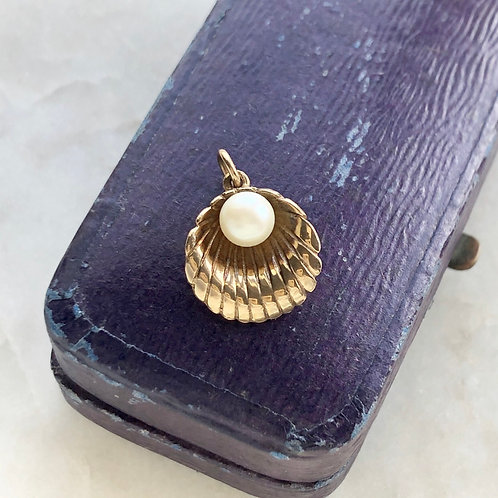 Vintage 9ct gold and pearl shell charm