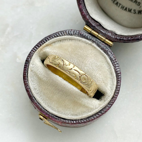 Antique 1896 18ct gold swirl pattern ring