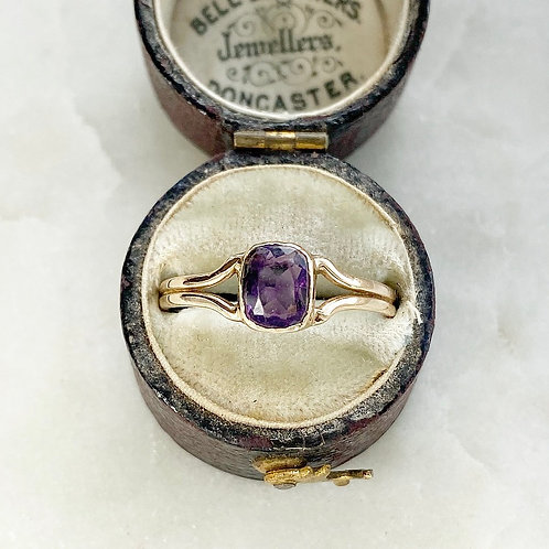 Vintage 9ct gold and amethyst ring