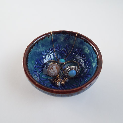 Tiny ceramic ring dish