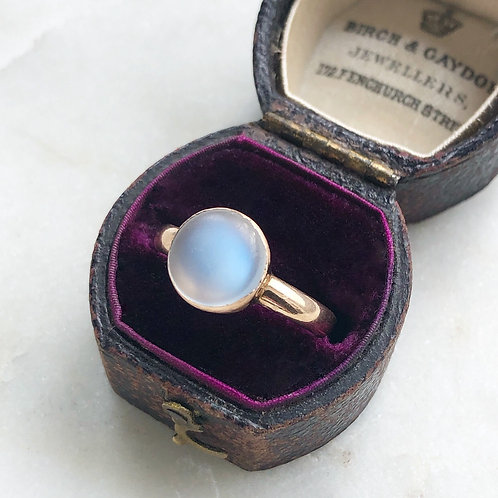Antique 9ct gold and moonstone ring