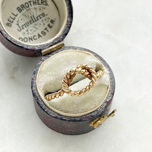 Vintage 1979 9ct gold rope love knot ring