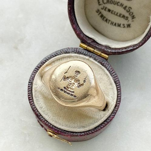 Vintage 9ct gold man brandishing dagger signet ring