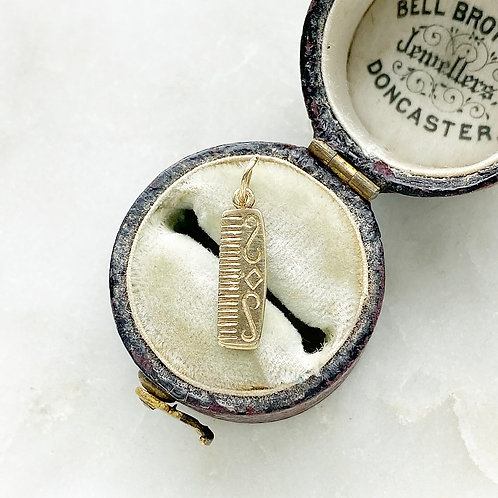 Vintage 9ct gold little comb charm