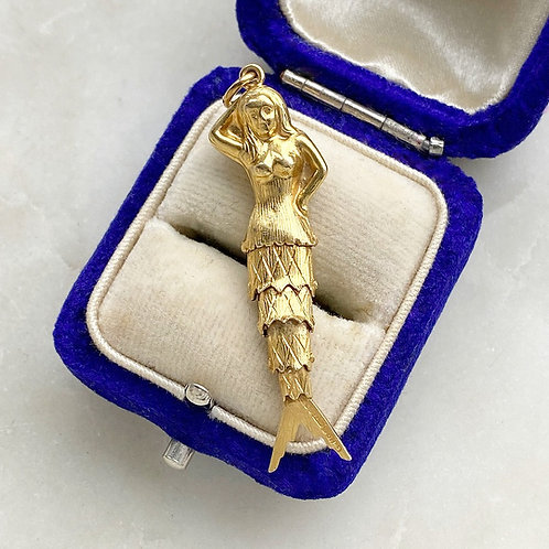 Vintage 1973 9ct gold articulated mermaid charm