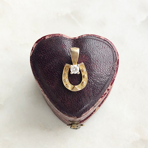 Vintage 9ct gold lucky horseshoe charm