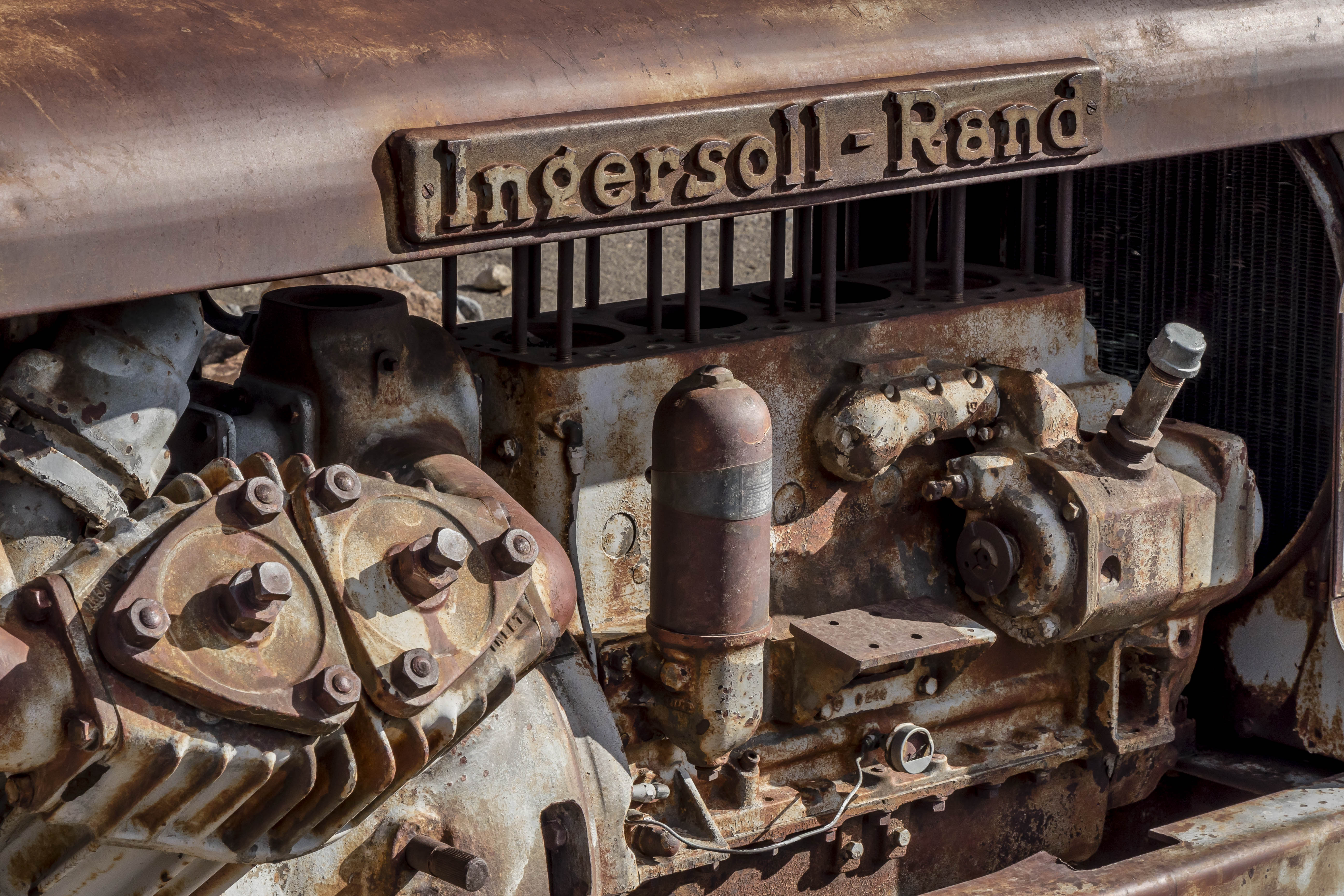 Tractor, Death Valley