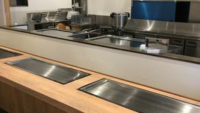 【PORTFOLIO】[厨房]|粉モン料理のライブ感を空間演出-鉄板焼ー大阪今里
