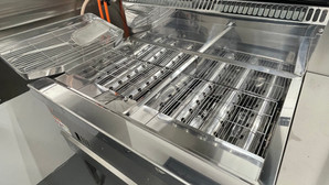 【中古|厨房機器:納品実績】2槽ガスフライヤー|マルゼン|MGFーC18WK|2018年|幅830奥行600高さ800|Eテンポ厨房.COM大阪