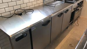 【中古厨房機器:納品実績】台下冷凍冷蔵庫 パナソニック SUR-G1861CSB 2014年 幅1800奥行600高さ800 Eテンポ厨房.COM大阪