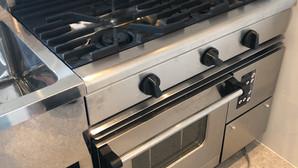 【中古厨房機器:納品実績】ガスレンジコンベクションオーブン マルゼン RGR-0963XC 2017年 幅900奥行600高さ800 Eテンポ厨房.COM大阪