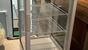 【中古|厨房機器:納品実績】4面ガラス冷蔵ショーケース|サンデン|AGV-90X|2017年|幅423奥行474高さ1378|Eテンポ厨房.COM大阪