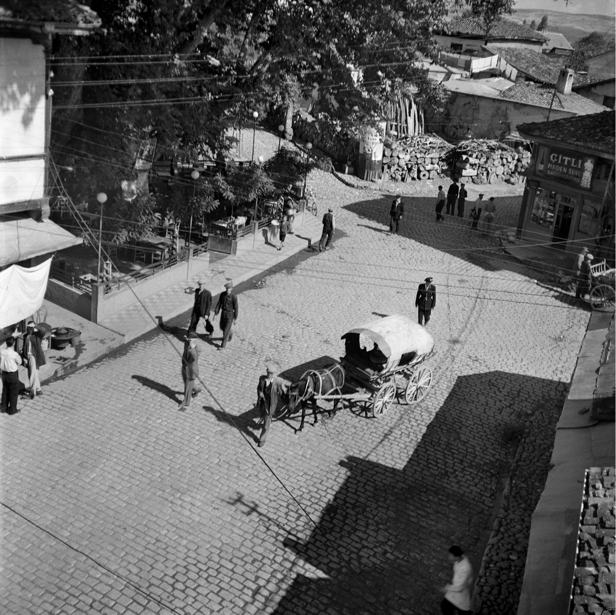 OLD STREET / ESKİ SOKAK