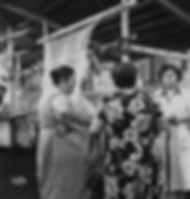 WOMEN IN MARKET / PAZARDAKİ KADINLAR, Rome, Italy 1952