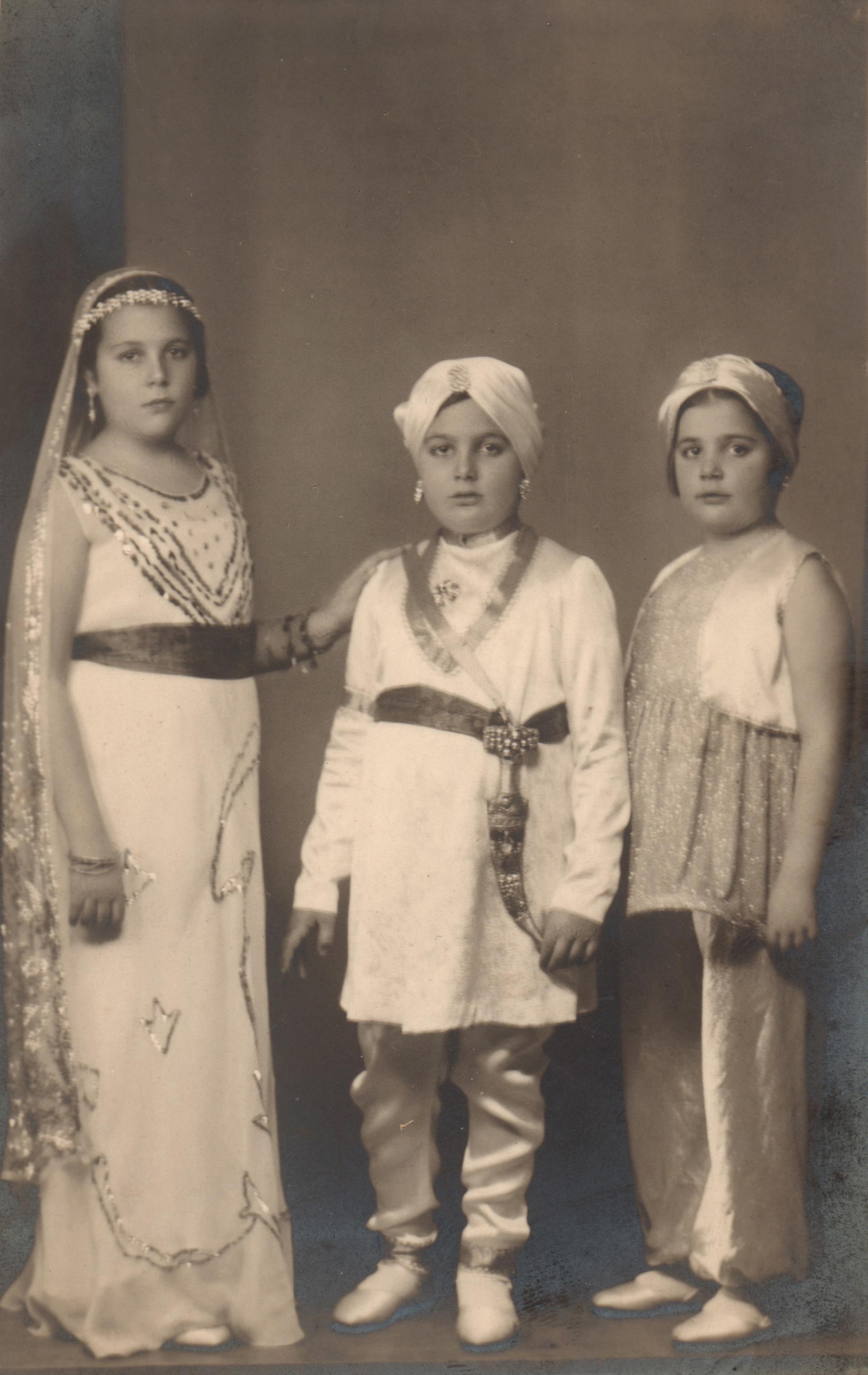 Yıldız, Tosun, Inci Moran, 1939