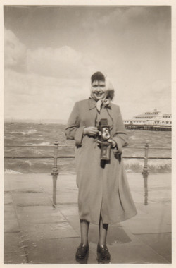Yıldız Moran, 1954