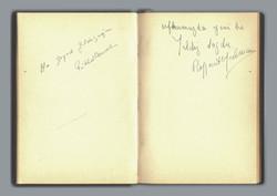 Exhibition Signature Booklet-09
