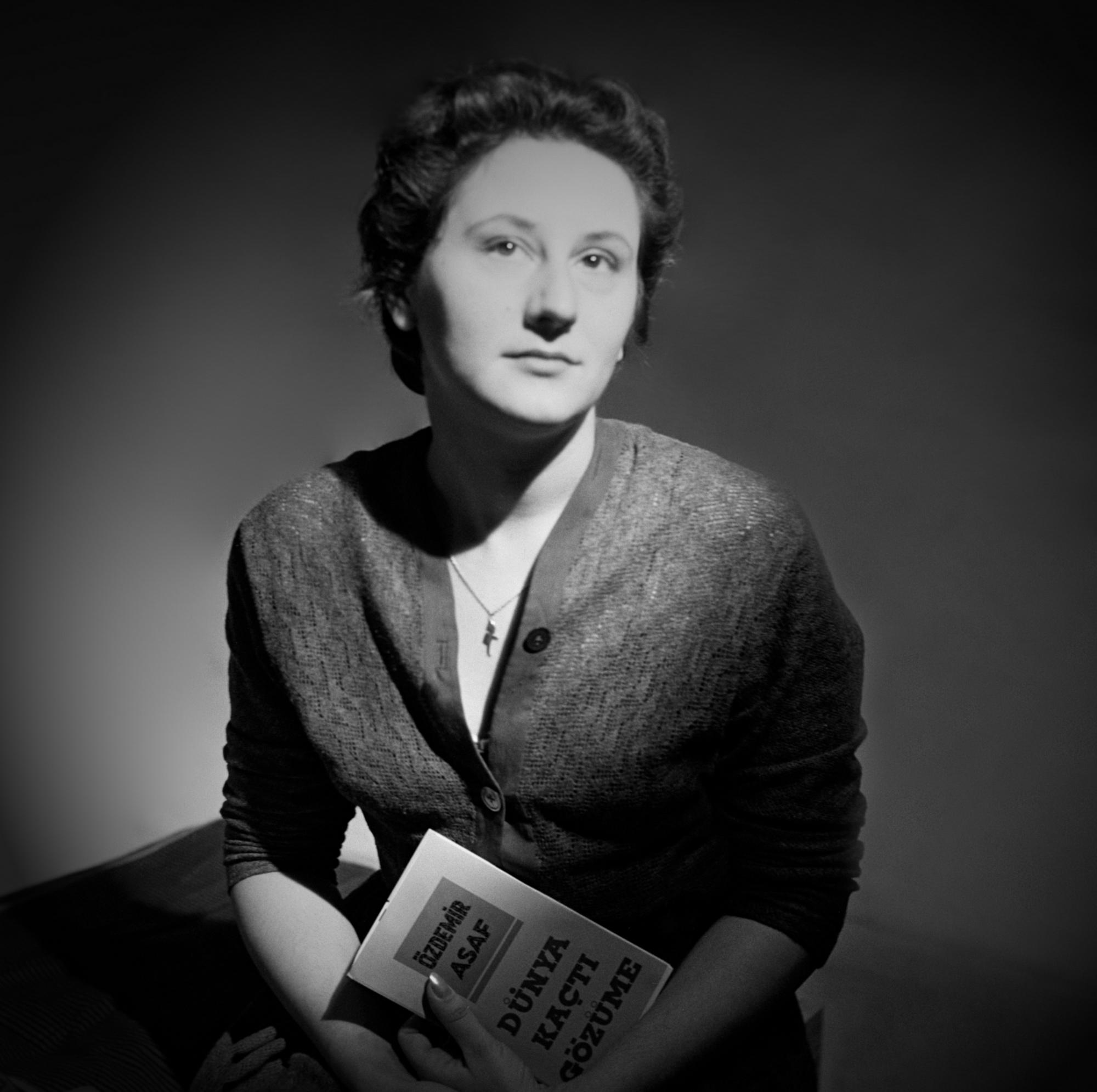 GULEN MORAN, 1955