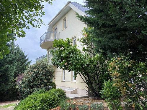 XI district - 7 bedroom semi-detached house